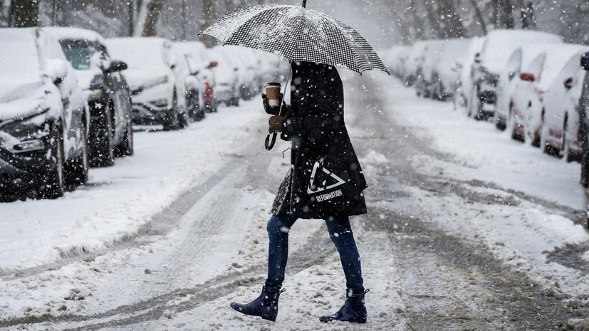 Синоптик заявил, что начавшийся в Москве снегопад станет последним в сезоне