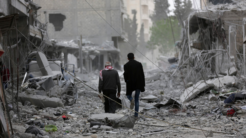 В результате ударов коалиции во главе с США в Сирии и Ираке погибли не менее 855 человек