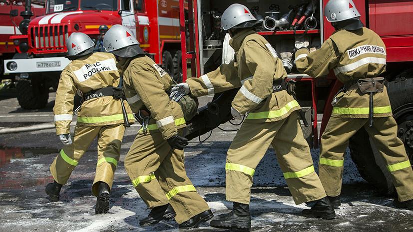 В Ульяновске людей эвакуируют из загоревшегося двухэтажного здания