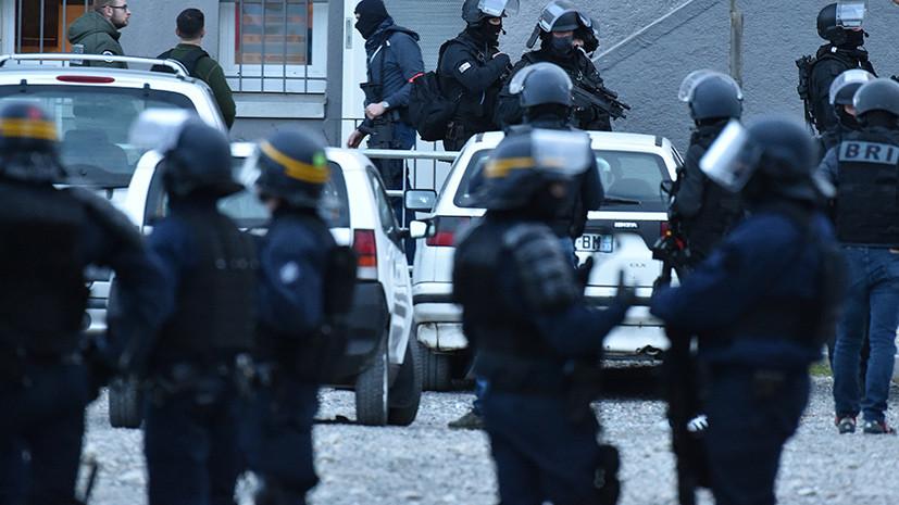 Во Франции задержан пытавшийся протаранить на автомобиле группу военных
