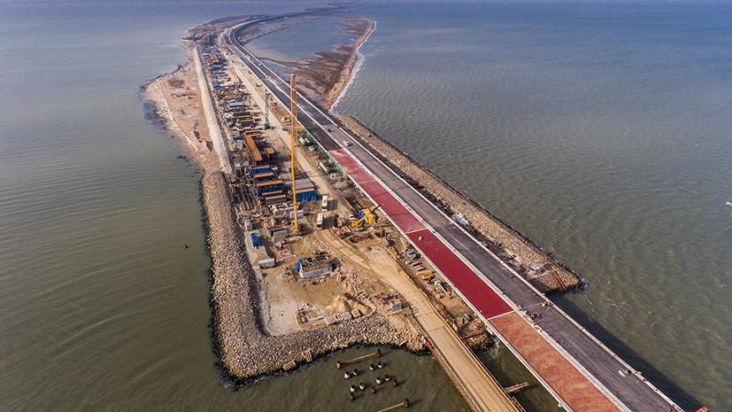 На участках Крымского моста начали установку шумозащитных экранов