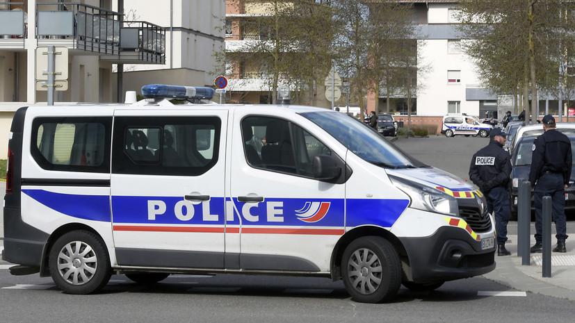 СМИ: Во Франции пьяный водитель назвался террористом и попытался наехать на толпу