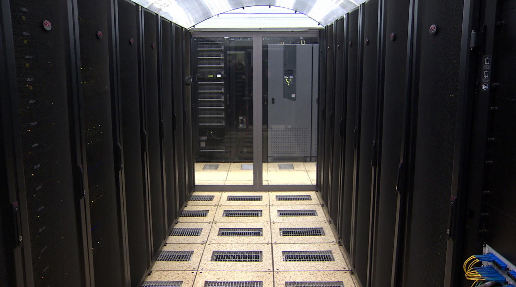 Какое место занимает суперкомпьютер ломоносов