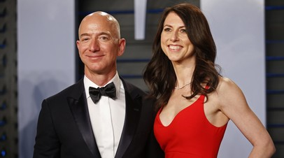 CEO Amazon Джеф Безос с женой