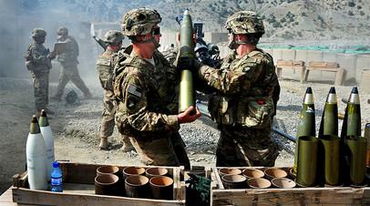 Американские артиллеристы на учениях