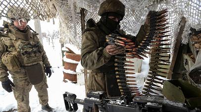 Украинские военные во время проведения операции в Донбассе