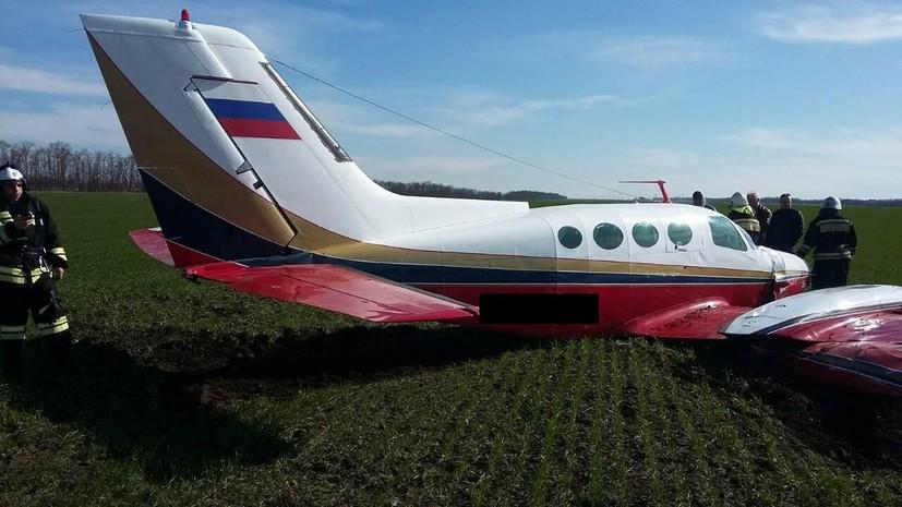 Легкомоторный самолёт совершил внеплановую посадку на Ставрополье