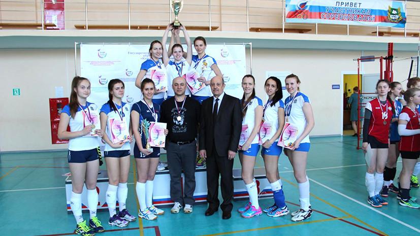 «Давайте поможем нашим девчонкам!»: тюменским волейболисткам собирают деньги на участие в соревнованиях