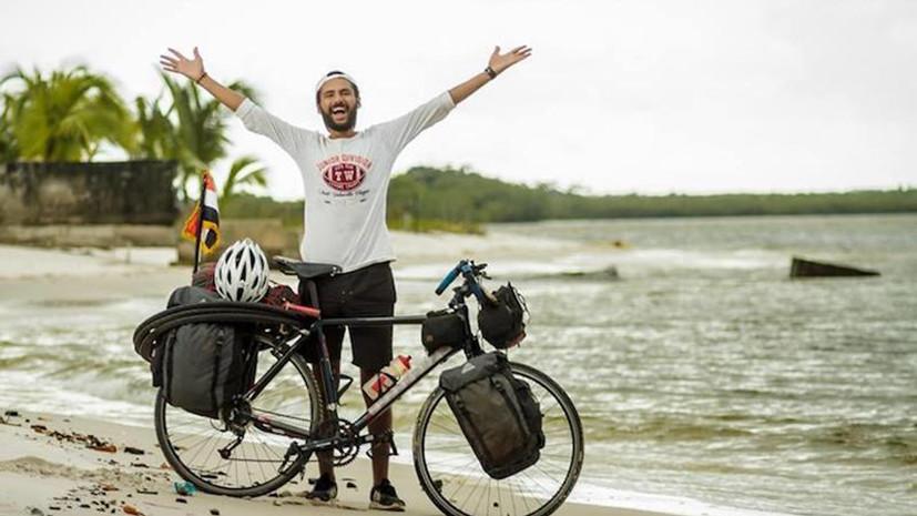 Болельщик из Египта отправился в Россию на ЧМ-2018 по футболу на велосипеде