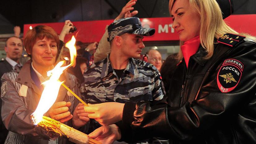 Благодатный огонь доставили спецрейсом из Иерусалима в Москву