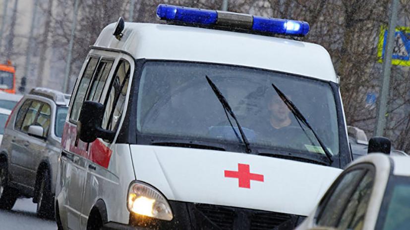 В Крыму произошло столкновение микроавтобуса и электрички