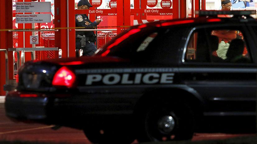 В Индианаполисе мужчина напал с ножом на прохожих