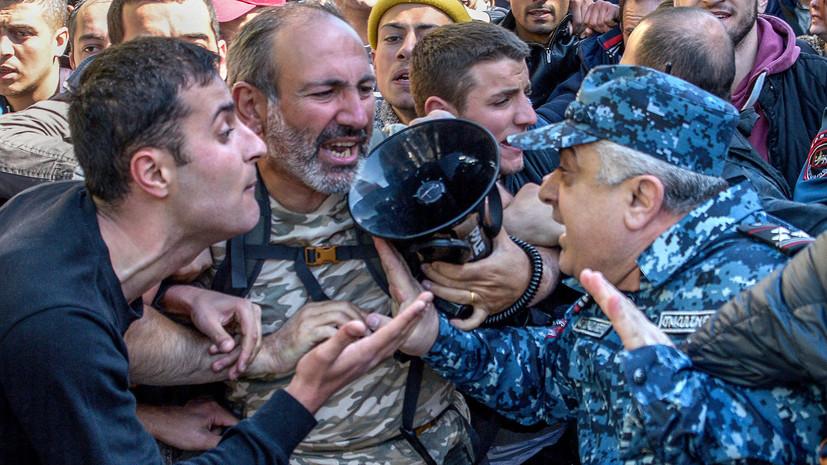 В Ереване после стычки с демонстрантами госпитализированы трое полицейских
