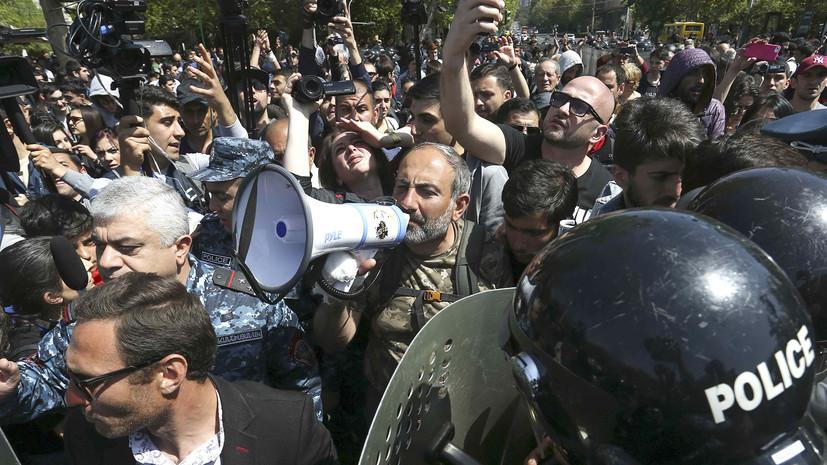 Полиция сообщает о задержании 66 участников акции протеста в Ереване