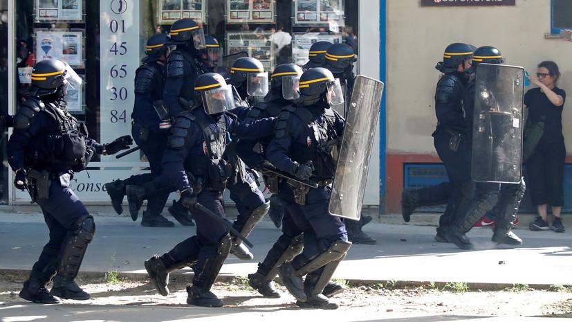 Полиция в Париже освободила заблокированный митингующими университет