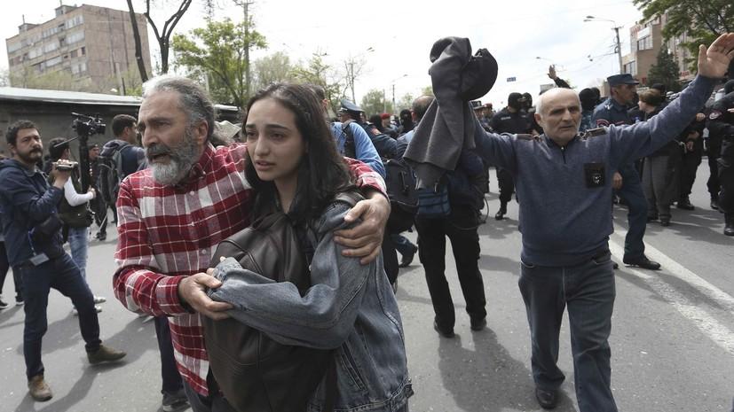 В Ереване после столкновений с полицией госпитализировали семь человек