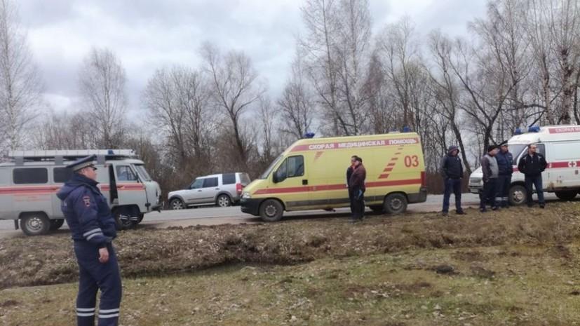 В Тверской области опрокинулся автобус