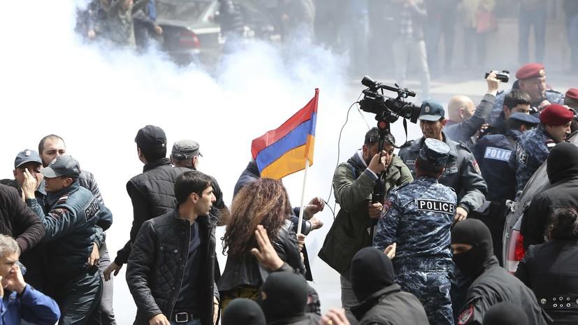 Минобороны Армении осудило участие военных в митинге в Ереване
