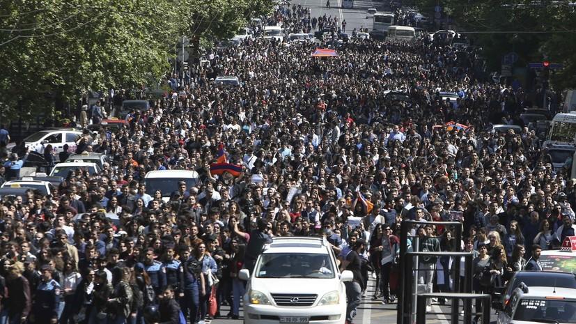 В Кремле считают события в Армении её внутренним делом