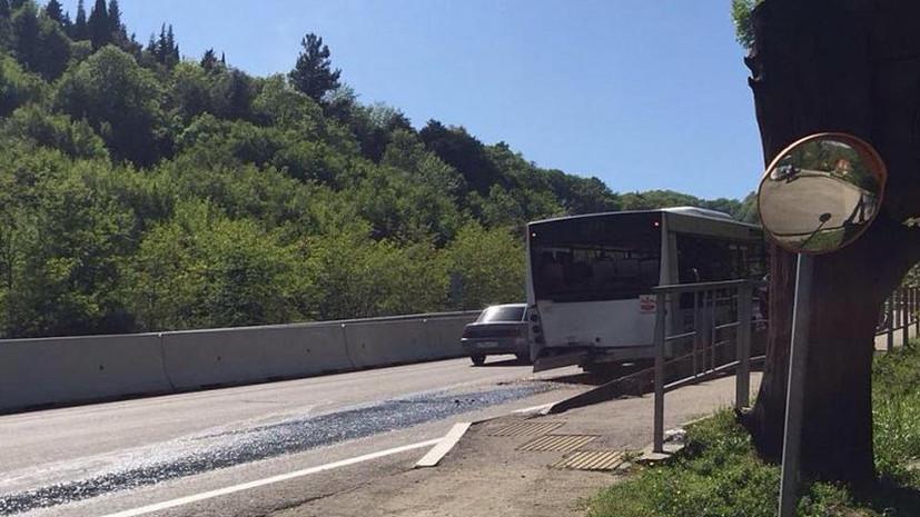 В Сочи столкнулись два пассажирских автобуса