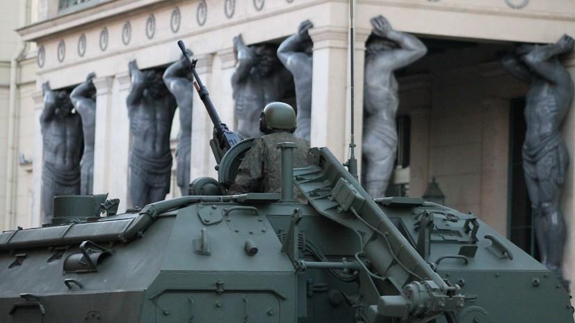 В Петербурге перенесли репетицию парада Победы
