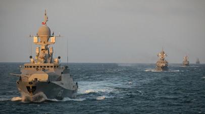 Малый ракетный корабль «Град Свияжск» во время учений корабельных группировок Каспийской флотилии