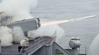 Пуск американской ракеты ESSM из установки Mk 29