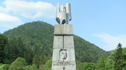 Памятник генералу Каролю Сверчевскому в Яблонках