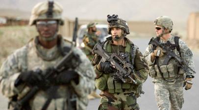 Солдаты армий США и Франции