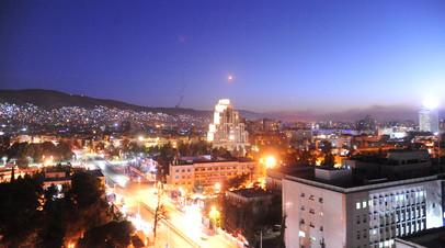 Ракета в небе над Дамаском