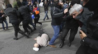 В Ереване более 40 человек задержаны по обвинению в организации массовых беспорядков