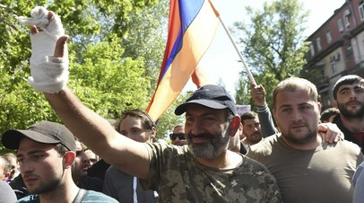 Лидер оппозиционного движения Армении сообщил, что продолжит переговоры с врио премьера