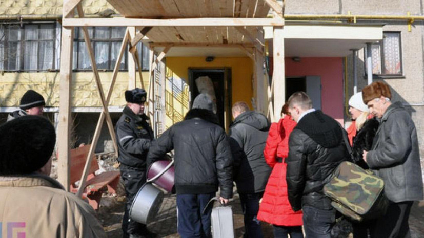 Число пострадавших при пожаре в жилом доме в Екатеринбурге увеличилось до 11