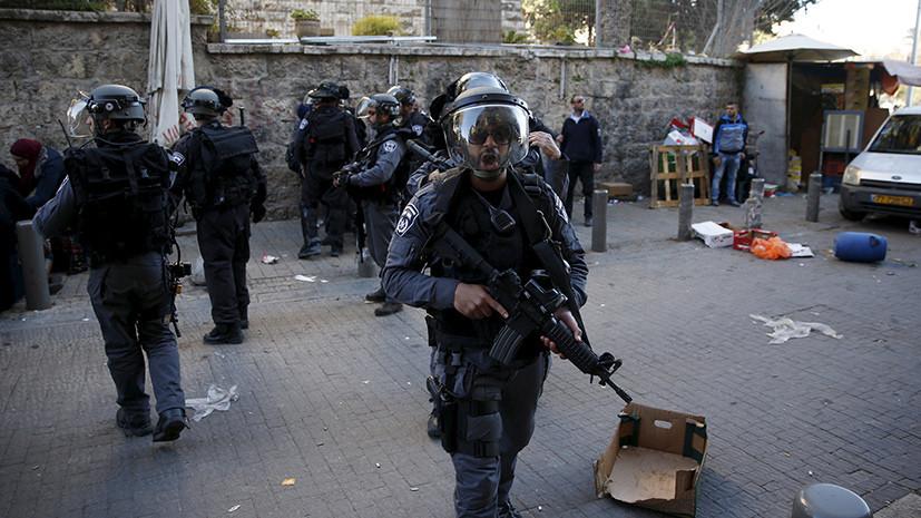 В Израиле неизвестный на автомобиле попытался совершить наезд на полицейских