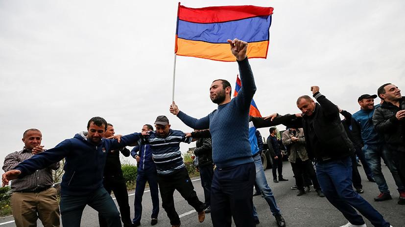 В Минобороны Армении призвали не препятствовать передвижению военной техники