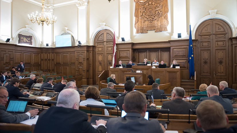 Сейм Латвии принял поправки о запрете детям участвовать в российских военных лагерях