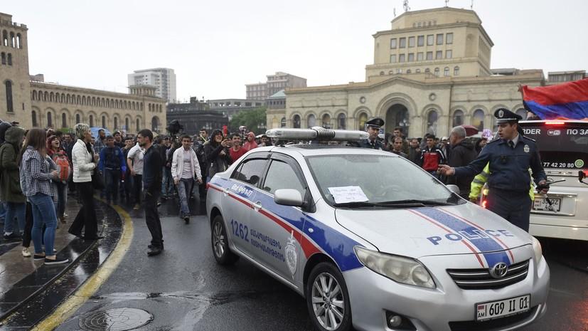 В Армении неизвестные открыли стрельбу в банке