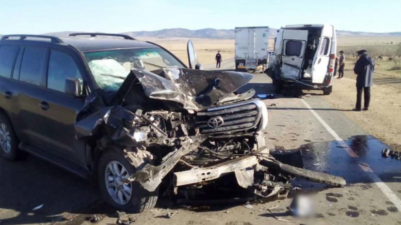 Девять человек пострадали в ДТП с микроавтобусом в Бурятии