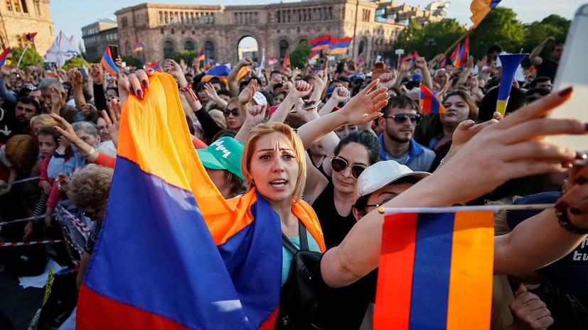 МИД призвал россиян в Ереване избегать 8 мая мест массового скопления людей