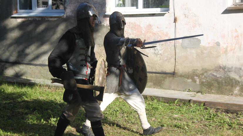 «Перспектив у дела нет»: приостановлено расследование в отношении историков-любителей, обвиняемых в изготовлении оружия