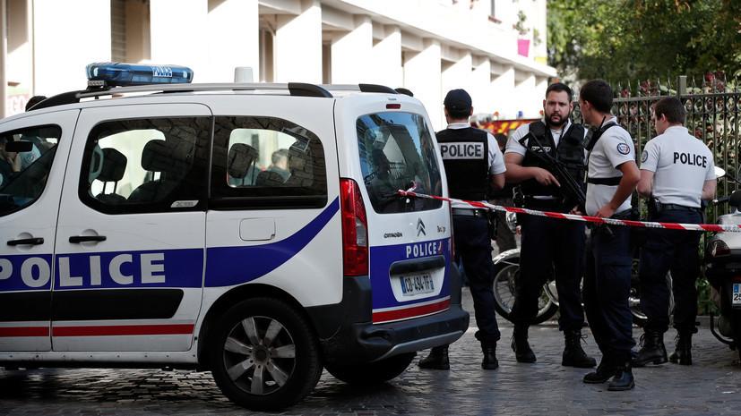 СМИ: Полиция застрелила напавшего с ножом на прохожих в Париже мужчину