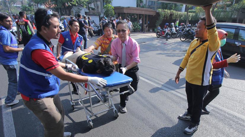 Число погибших при взрывах в церквях Индонезии возросло до девяти