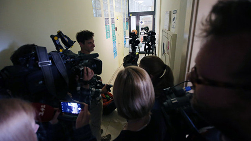 В Киеве завершился длившийся более 8 часов обыск в офисе РИА Новости Украина