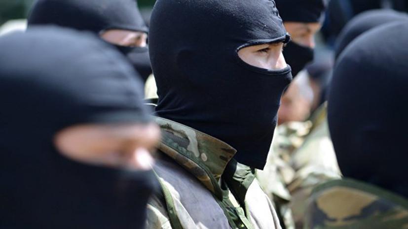 Боец полка «Азов» объяснил отказ пожать руку Порошенко
