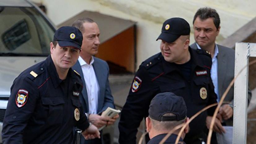 Суд арестовал Пирумова по делу о хищениях в Эрмитаже