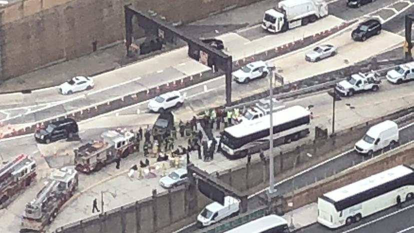 Более 30 человек пострадали в результате столкновения двух автобусов в США