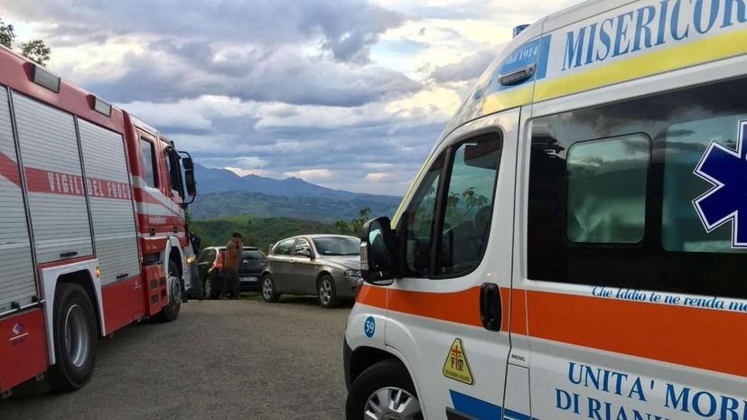 В Италии при опрокидывании автобуса пострадали 26 человек