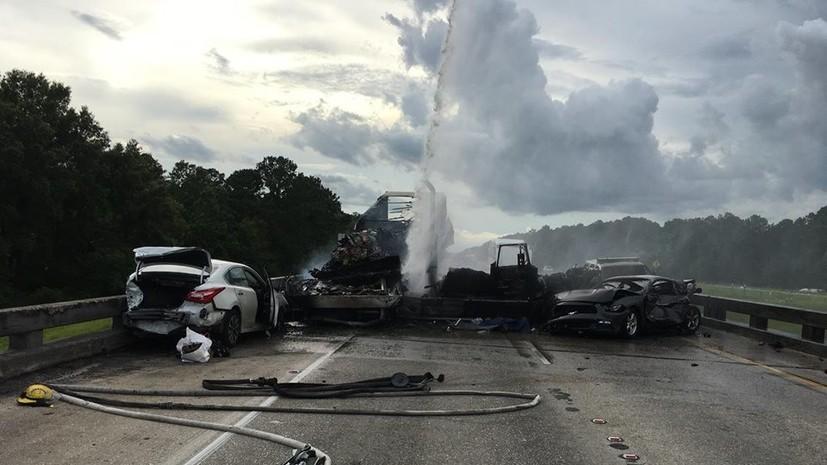 В США в ДТП с двумя грузовиками четыре человека погибли и 13 пострадали