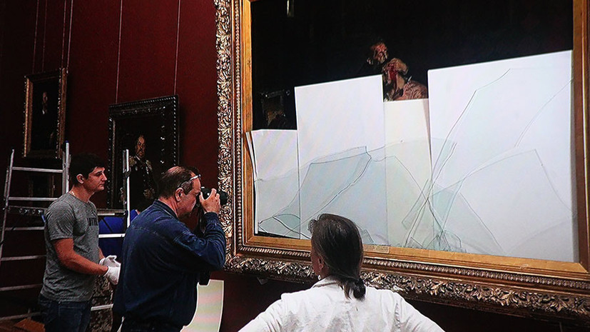 «Самоотверженная смотрительница повисла у него на руке»: в Третьяковке воссоздали хронологию нападения на картину Репина
