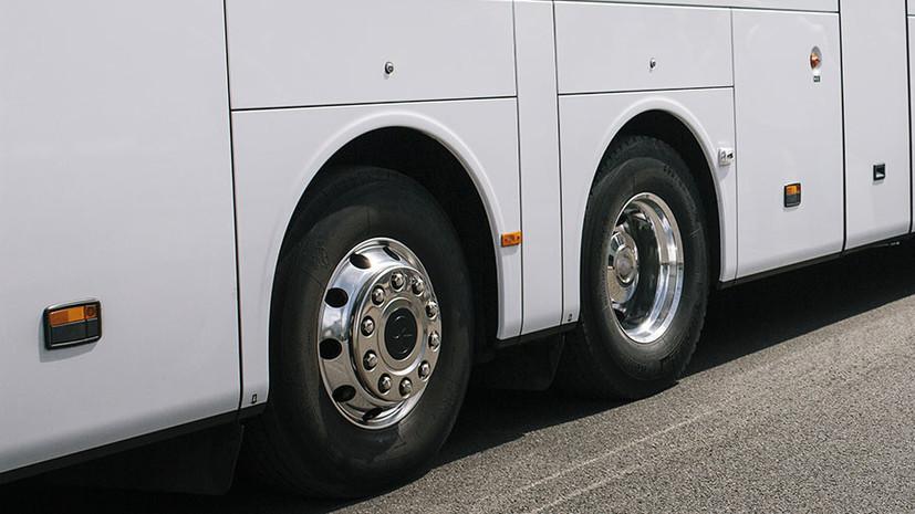 В Будапеште автобус с Украины протаранил ограничитель высоты, десятки человек ранены